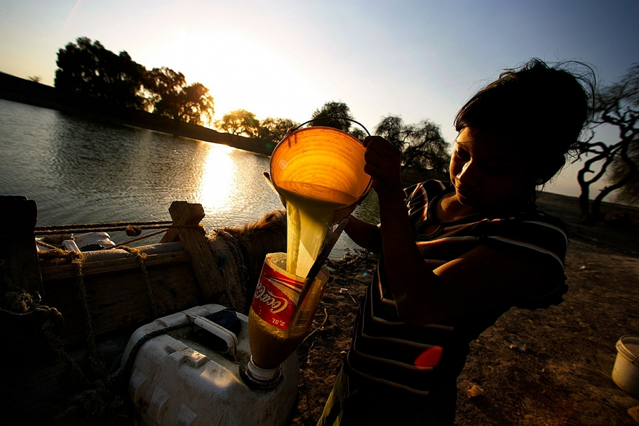 Những bức hình ám ảnh về tình trạng thiếu nước sạch trên thế giới